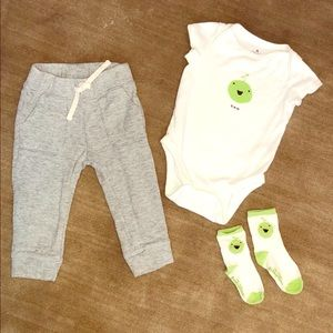 Baby GAP NEW Green Apple Outfit W Pants 12-24M